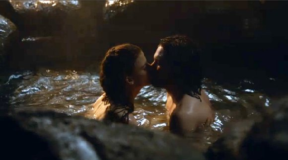 Game of Thrones season 3 Jon kissing