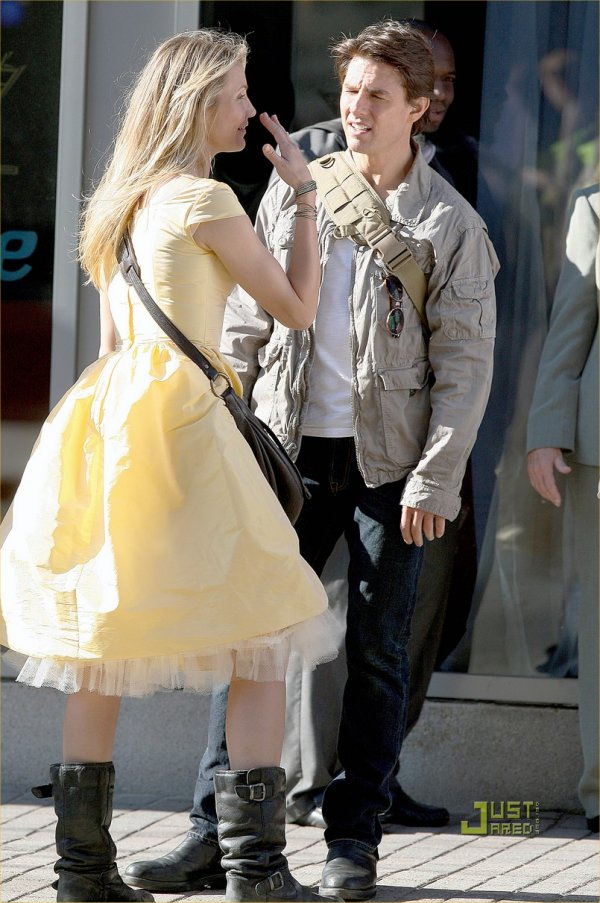 Cameron diaz knight and day yellow dress